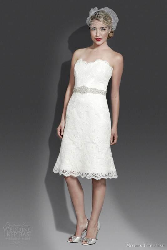 modern-trousseau-bridal-fall-2014-delilah-short-lace-wedding-dress (1)