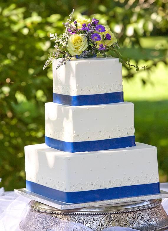 http://www.weddingsalon.com/