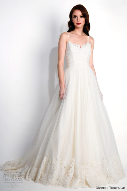 modern-trousseau-bridal-fall-2015-porter-chantilly-lace-wedding-dress-straps