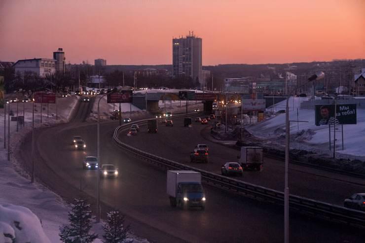 stockvault-morning-traffic-street136921