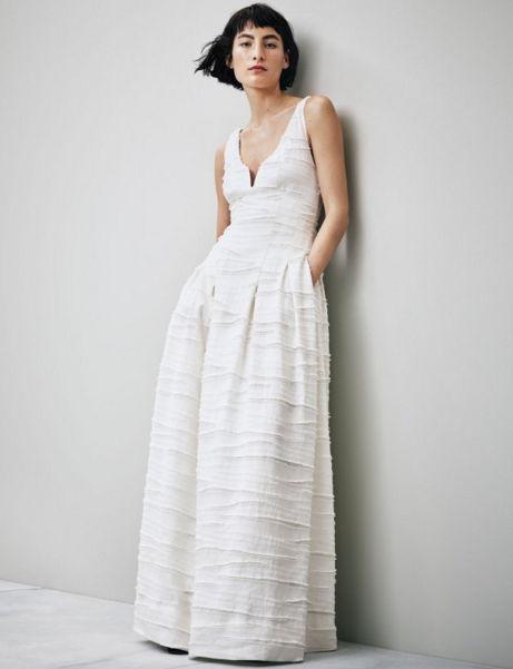 Suknia - 799 zł; mat. prasowe H&M